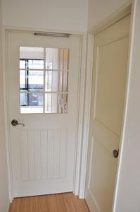リビングドアと洋室ドア