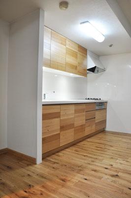 施工後 無垢面材のキッチン