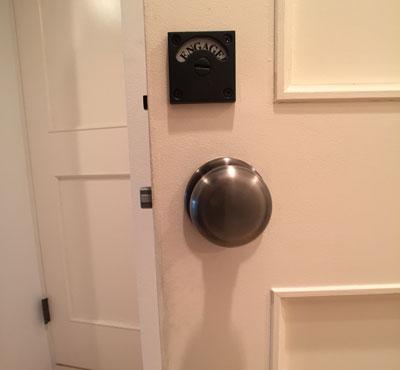 トイレ輸入表示錠