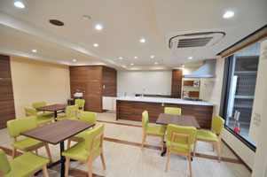 mansion-meetingroom-befor03