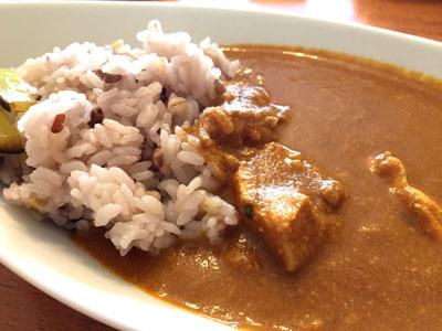 雑穀米とバターチキンカレー