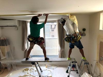天井壁紙貼替え