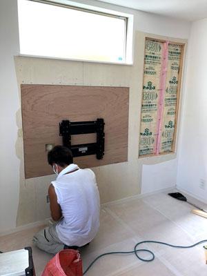 TV壁掛け工事