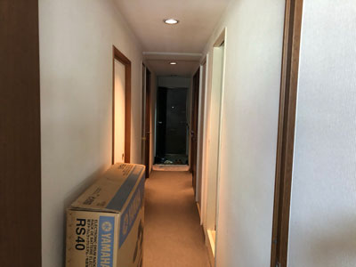工事前玄関廊下